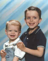 Ethan and Aiden June 2004 copy.jpg (95392 bytes)